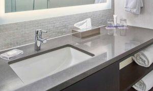 Hyatt Lexington Guestroom Bathroom