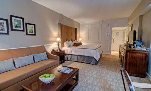 Garden City Hotel Deluxe Suite